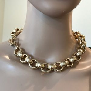 Banana Republic chunky gold link chain necklace
